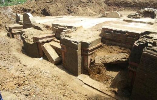 樊城一工地挖出古墓群 已发现汉代至隋唐墓葬60余座